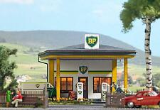 Busch BP Old Time Petrol Station 1577 HO Scale