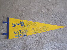"""Robin Yount 3,000 hits commemorative pennant- Robin was the Brewers """"batman"""""""