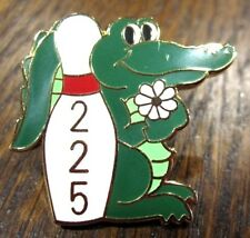 "ALLIGATOR ""225"" GAME METAL/ENAMEL LAPEL/HAT PUSH-BACK SOUVENIR BOWLING PIN"
