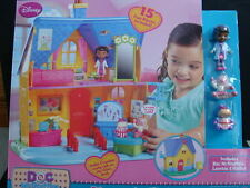 NEW Doc McStuffins Diagnosis Clinic Dollhouse Playset Lambie Hallie Dolls Disney