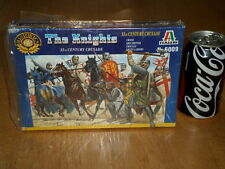 THE KNIGHTS -- XI th CENTURY CRUSADE, Plastic Toy Soldiers, Scale 1:72