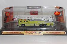 Code 3 1/64 Pierce Chicago O'Hare 100 Foot Ft Platform Fire Truck Tower Ladder