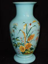Superbe vase ancien en Opaline Bleue (décor floral émaillé)
