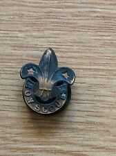 VINTAGE BOY SCOUTS BUTTON HOLE BADGE
