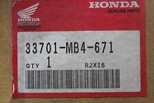 1983-1986 VF1100 HONDA (HBC) NOS OEM 33701-MB4-671 TAILLIGHT UNIT