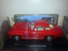1/18 MERCEDES BENZ 300 SL GULLWING RED WITH TAN INTERIOR BY KYOSHO rd