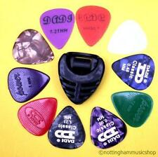 10 MIX TYPE GUITAR PICKS/PLECTRUMS + PICK HOLDER NEW