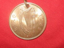 VINTAGE 1968 CELTIC IRELAND  IRISH  HARP/HEN COIN PENDANT CHARM NECKLACE