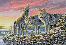 Maïa  01230  Loups Dawn Hunt   Kit  Broderie Point de Croix Compté