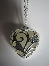 "Valentines Love Glow in the Dark Heart Pendant+Silver Plated 16.5""-18"" Necklace"