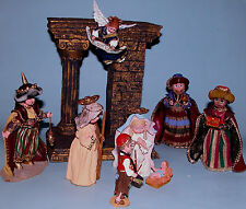 Madame Alexander resin doll figurine Nativity scene 9 pcs Family, kings, angel