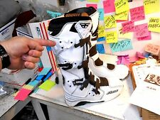 NEW FLY RACING MOTOCROSS BOOTS KINETIC SIZE 9 WHITE MISSING PIN ON 1 BUCKLE BASE