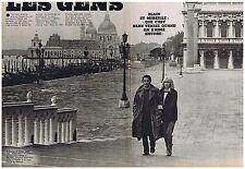 COUPURE DE PRESSE CLIPPING 1977 ALAIN DELON-MIREILLE DARC à Venise       3 pages