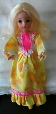 EG SINDY TRENDY DOLL 1972 IN YELLOW VARIATION LOUNGER DRESS ��