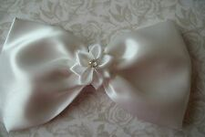 BIG WHITE HANDMADE SATIN BOW HAIR CLIP RIBBON FLOWER 50's VINTAGE STYLE GLAMOUR