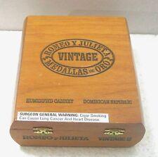 Empty wood cigar box Romeo y Julieta Medallas de Ora Dominican Republic B30