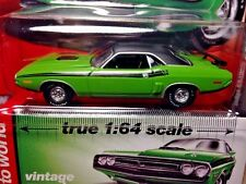 Auto World 1/64 1971 Dodge Challenger R/T - Green Go - Vintage Muscle R1 #3 2017