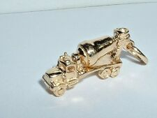 14k YELLOW GOLD MOVEABLE CEMENT MIXER TRUCK CHARM