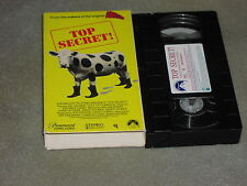 Top Secret! (VHS, 1992) Val Kilmer FROM THE MAKERS OF THE ORIGINAL AIRPLANE! oop