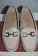 SALVATORE FERRAGAMO $475 BEIGE/PINK PATENT LEATHER DRIVING FLATS SZ 8B