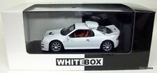 WHITEBOX 1/43 -WHI-050 FORD RS200 GROUP B ROAD CAR 1983 MODEL CAR IN WHITE
