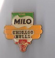 Pin's basket ball / équipe Chicago Bulls - Milo de Nestlé