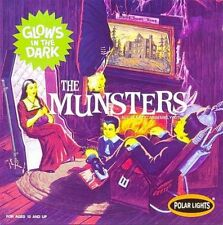 POLAR LIGHTS 1.16 Scale THE MUNSTERS LIVING ROOM GLOW's in THE DARK Model Kit.