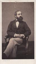 Photo cdv :Pierre Petit , Homme assis dans un fauteuil pantalon clair ,vers 1865