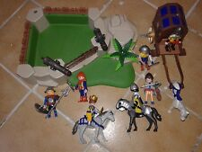Petite base playmobil chevalier char coffre fort 7 personnages 3 cheval canon
