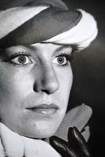 PORTRAIT de FEMME Anne-Claire à l'écharpe N&B 1980 photo signée BELMONT 27x20cm