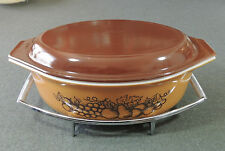 Pyrex 045 Old Orchard 2 1/2 Qt Oval Covered Casserole W/Brown Lid & Cradle EUC