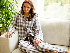Ladies Woven Long Sleeve Heart Dobby Check PYJAMA SET by Cyberjammies - SIZE 20