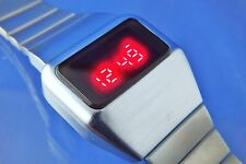 1 Modern Gents Chunky 1970s Vintage Style Retro Digital LED LCD Watch 12&24 hour