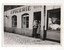 PHOTO ANCIENNE - Groupe Boutique Magasin Devanture Épicerie Buvette Vers 1930
