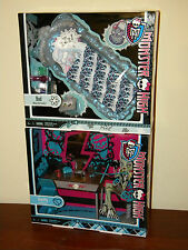 2 Monster High Furniture Sets Frankie Stein Vanity & Abbey Bominable Bed NRFB
