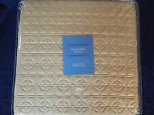 VERA WANG PLAZA SUITE SAGE FULL/QUEEN QUILTED COVERLET