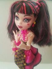 Monster High Draculaura Forbitten Love Doll with Stand GUC