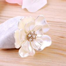 Luxury Elegant Women Faux Shell Pearl Vintage Flower Brooch Pin Brooches FT
