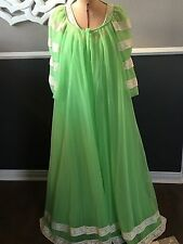 VTG 60s Intime' California LIME GREEN  Peignoir Nightgown & Robe W/ LACE SMALL
