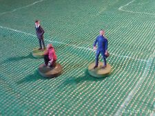 Subbuteo Accessories -- Trainer, Manager and Physio.