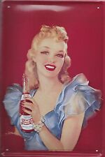 PLAQUE DECORATIVE PIN UP- PEPSI COLA- -30 X 20 CM-DECO USA/BIKER