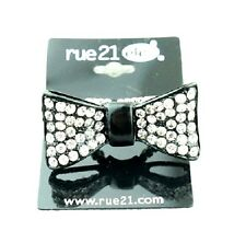 Very cool bow stretch ring with crystal