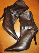 Beautiful BCBG Brown Ankle Heel Boots Zipper Side Strap Buckle Size 8.5 M