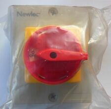 NEWLEC 32A 4 POLE SWITCH DISCONNECT INSULATED ENCLOSURE NLSW324PE