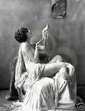 Art Deco/Art Noueavu/Black and White Poster/print/1920   Lady/Girl in pearls