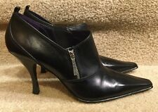 NWOT Donald J. Pliner Milly Black Leather Side Zip Cut Toe Ankle Boots SZ.9.5