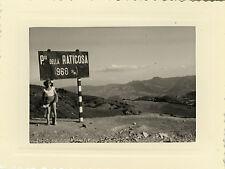 PHOTO ANCIENNE - VINTAGE SNAPSHOT - PASSO DELLA RATICOSA ITALIE PANNEAU MONTAGNE
