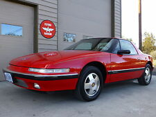 Buick: Reatta 2dr Coupe