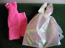 ROBES POUR  BARBIE   LOT DE 2    BARBIE    N °   16  à  20    C