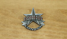 *RARE* Fashion Café London Pin Badge - Naomi Campbell, Elle Macpherson & co.